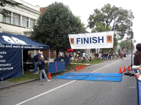 Gabe Finishes 2009 Saratoga Palio Half-Marathon
