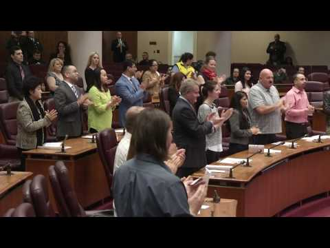 Naturalization Oath Ceremony - YouTube