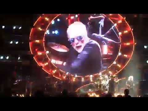 Queen live at israel 12/ 9/ 2016