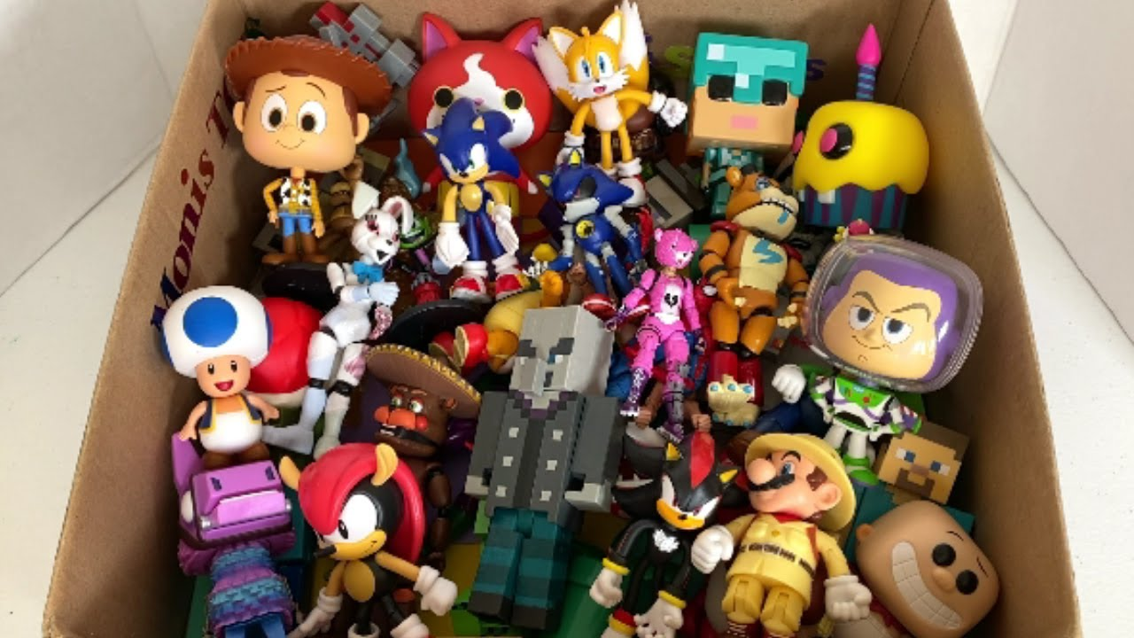 Best Toys to Collect 2020 Tails Sonic Mighty Shadow Jibanyan Mario Luigi Woody Loot Llama Alex