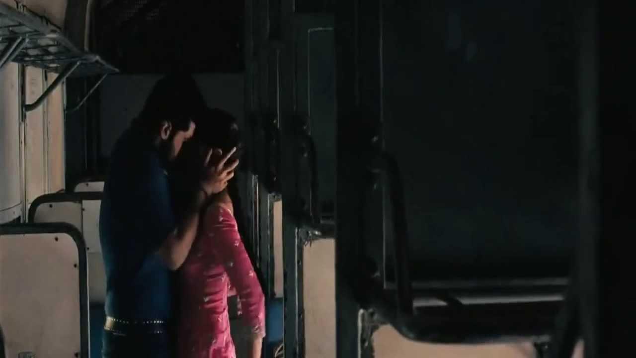 India Train sexy scene
