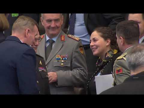 """Ora News - Shqipëria """"thyen"""" rregullat, NATO pranon ftesën e Xhaçkës dhe zbarkon në Tiranë"""