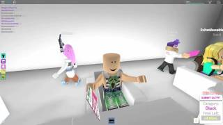 ROBLOX DRUNK WHITE GIRLS GET THEIR LICE REMOVED AND HAIR DONE!