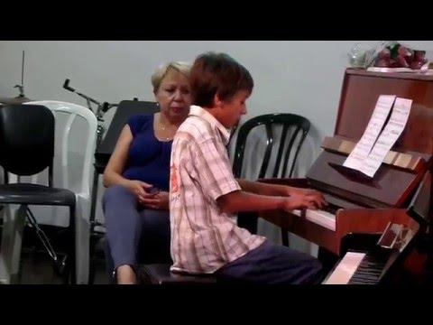 david piano rosh-haayin july 2014