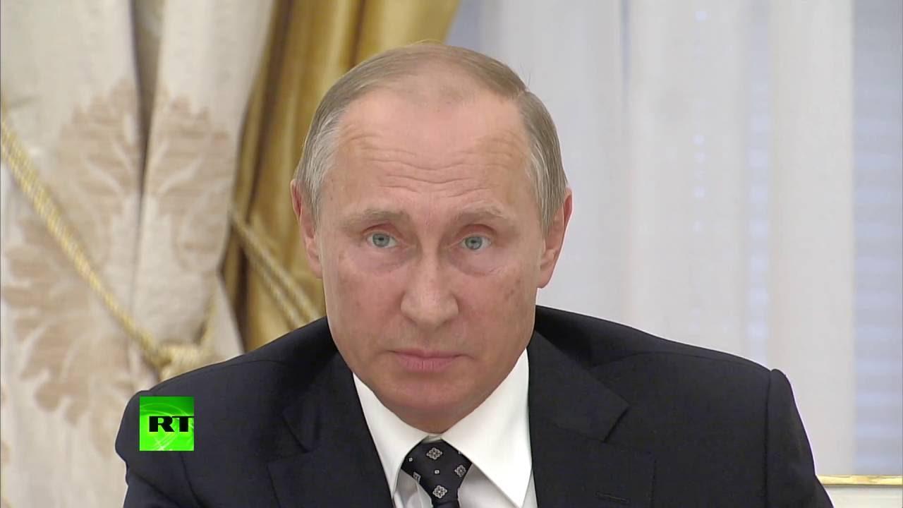 Картинки по запросу Путин — лучшему учителю года: «Я не отстану, скажите сразу, сколько вы получаете»