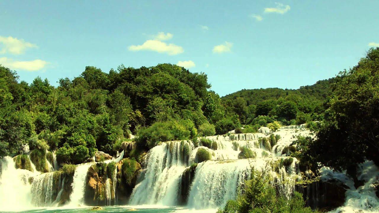 8817 hermosas cascadas entre las monta as efecto for Paisajes para una pared