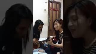 Download Lagu Lagu - WALAUPUN TERBENTANG JARAK DI ANTARA KITA || PUNK ROCK CANTIK Suara Emas mp3