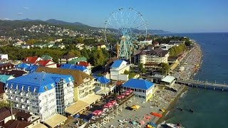 видео Отдых в Лазаревском у моря 2017: цены, курорты, экскурсии и достопримечательности