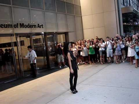 "CASSIE attends  premiere of ""The September Issue"" at The MOMA 8/19/2009"
