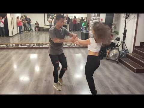 Micka & Emi - Bachata fusion demo [Aventura - Angelito] @Dijon Danse
