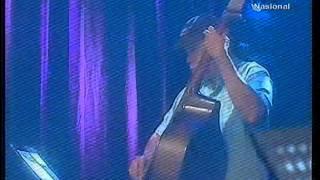 Lala Suwages performing Payphone at TVRI