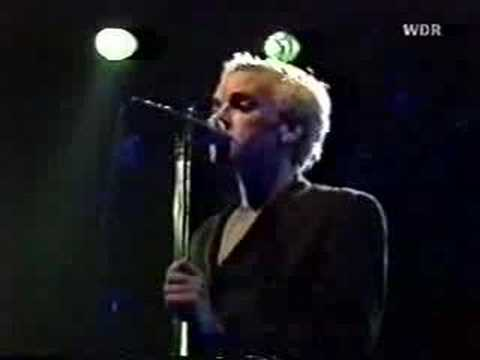 R.E.M. - 10/02/85 Germany 6. Green Grow The Rushes