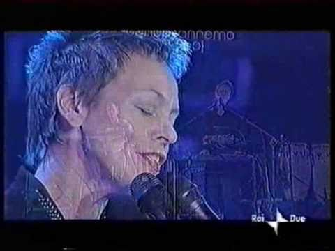 Strange Angels - Laurie Anderson Live in San Remo 2001