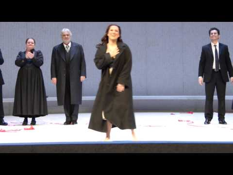Curtain calls after magnificent performance of La Traviata on the stage of Metropolitan Opera - 26th March