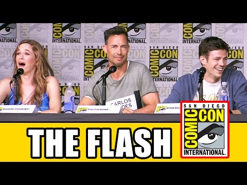 THE FLASH Comic Con 2016 Panel Highlights (Part 1) - Grant Gustin, Season 3