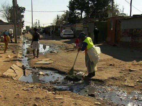 Impoverished South African town sees little change