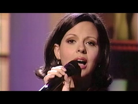 "Sara Evans - ""No Place That Far"" (From The Donny & Marie Osmond Talk Show)"