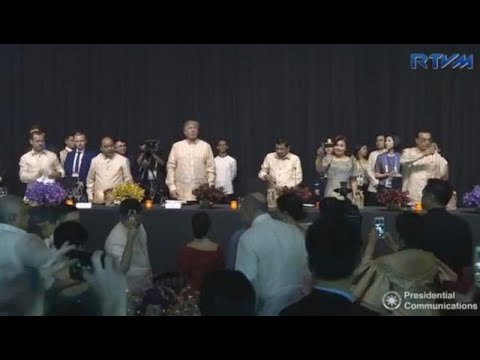 Duterte hosts 1,300 guests at Asean gala dinner