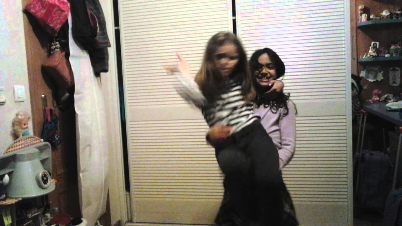 Mis sobrinas bailando jd - YouTube