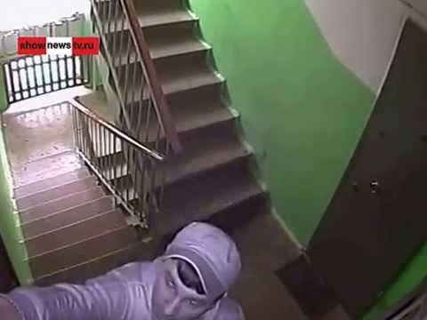 skritaya-kamera-pod-dver