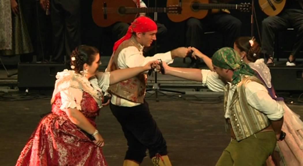 Bailes tradicionales en el teatro principal de valencia for Teatro principal valencia