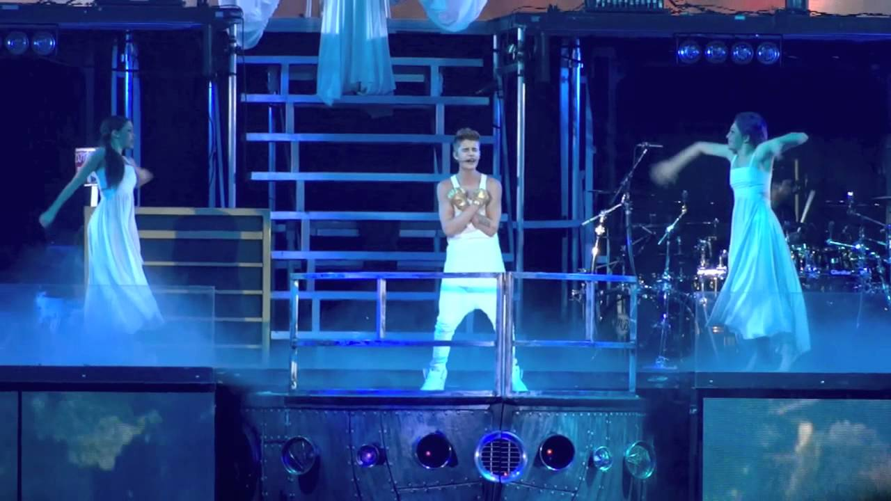 "Justin Bieber- ""Catching Feelings"" Believe Tour 1/12 - YouTube