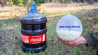 experiment: XXL Coca-Cola vs Balloon of Mentos