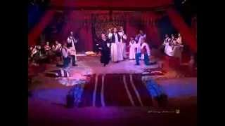Bedouin Tribal Dance - Habbeitik Bjnoun - Hossam & Serena Ramzy