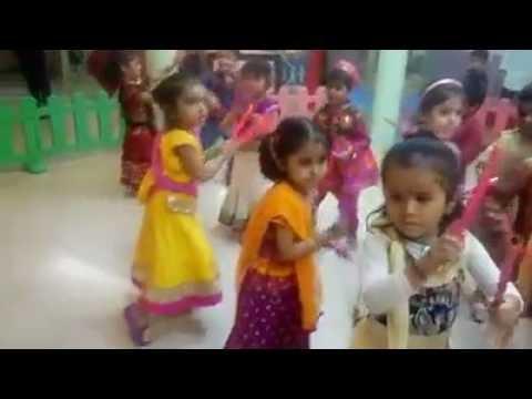 W1E4-Dolphin kids- Dandiya masti