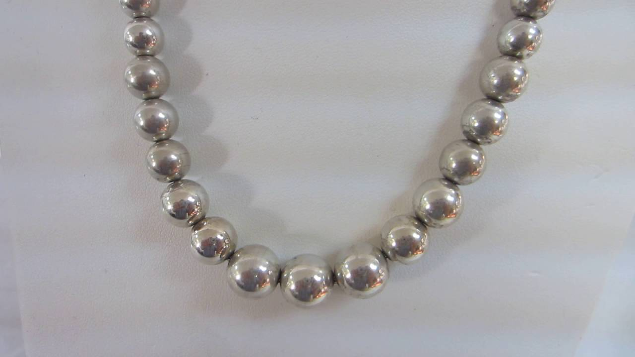 bead handpicked inch silver with white bold on bg toggle to necklace