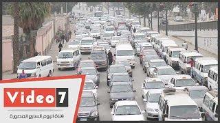 زحام مرورى بشوارع القاهرة تزامنا مع إغلاق الطرق المؤدية إلى إشارة كوبرى الجامعة
