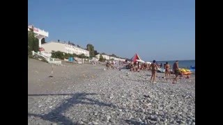 Центральный пляж в Лоо видео нападение на негра(Отдых в поселке Лоо центральный пляж видео пляжа, эллинги у моря номера у моря телефоны в Лоо 8 (918) 204-76-58,..., 2016-04-04T09:52:40.000Z)