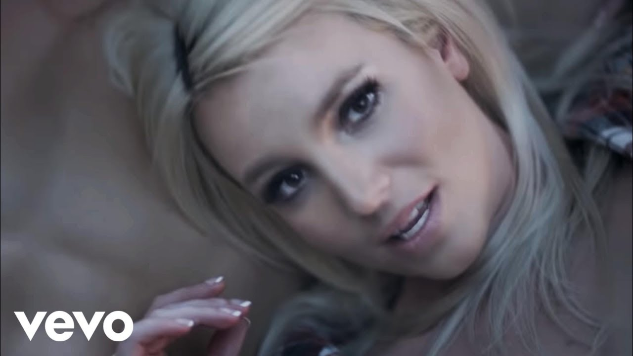 Britney Spears - Perfume - YouTube