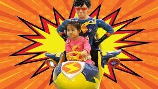 번개걸 옷 입고 번개맨 전동자동차 타기 EBS 키즈빌 키즈카페 Thunder man kids cafe Power wheels