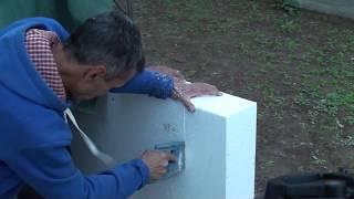 Как научить рабочих на стройке клеить пенопласт, первый день обучения, первые листы