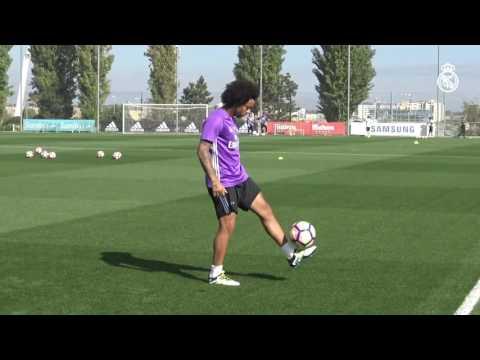 Kick-ups, Marcelo style!