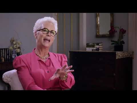 Dean McCarthy interviews Jamie Lee Curtis at CinemaCon 2019 from YouTube · Duration:  2 minutes 17 seconds