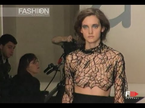 AMAYA ARZUAGA Fall Winter 1998 1999 London - Fashion Channel
