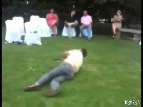 Ngã khi đang nhảy trong đám cưới