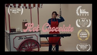 Emma Hoet - hot chocolate [CLIP OFFICIEL] ☕