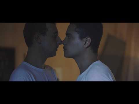 Filme brasileiro mostra pastor enrustido e homofóbico que trata da cura gay