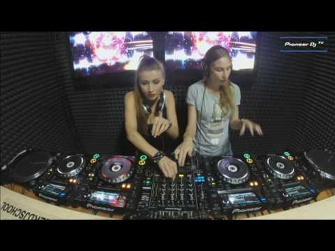 Dj Miss Bliss v Dj Korshun - ( b2b Tech House Live Set )