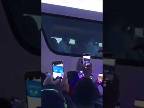Messi recibió a los hinchas argentinos en Mallorca