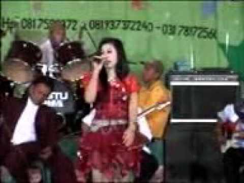 Bahtera cinta - Boy Sahara & yeni live in sumenep madura 2009