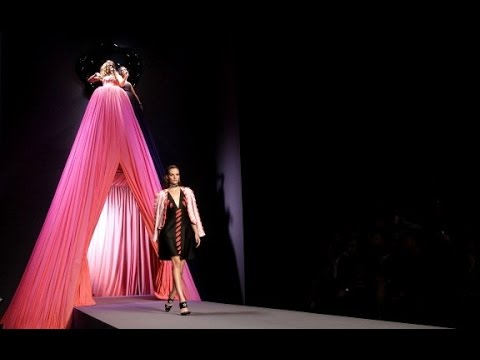 Viktor & Rolf | Spring Summer 2012 Full Fashion Show | Exclusive