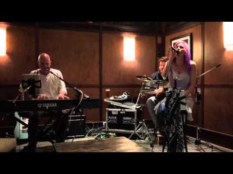 Live clip - Rock n Roll (Zeppelin) - Heidi Le