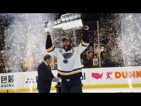 St. Louis Blues raise the Stanley Cup for the first time in franchise history!