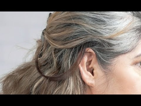 How to Do a Strand Test for Permanent Hair Color at Home