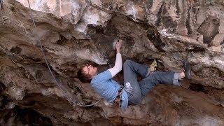 Ben Bransby Climbs Gritstone Parthian Shot, E9/5.13d | EpicTV Climbing Daily, Ep. 185