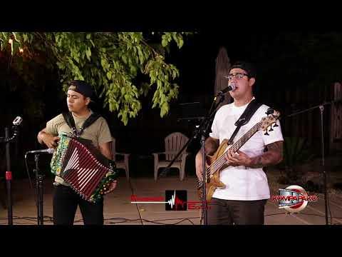 Pistoleros Famosos- El Cachas Blancas [Inedita En Vivo] Corridos 2018